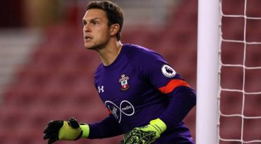 Spurs keep tabs on Saints goalkeeper