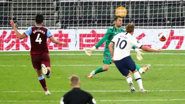 Kane boosts Mourinho with goal