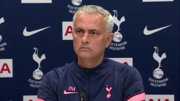 Jose Mourinho: Gareth Southgate should name managers who pressurise players
