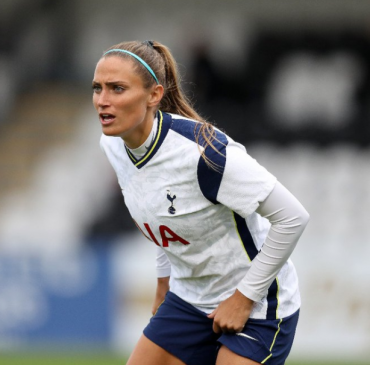 Shelina Zadorsky signs permanent deal