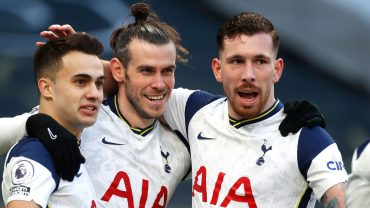 Bale inspires Spurs to win over Burnley