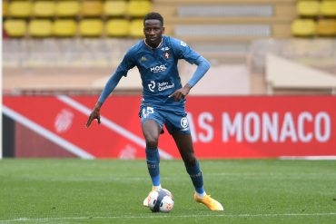 Spurs sign Pape Sarr from Metz